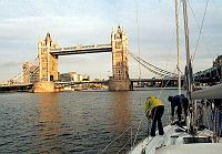 Tower Bridge o świcie